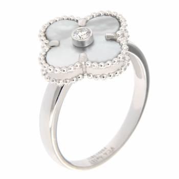 Золотое кольцо с бриллиантом и перламутром