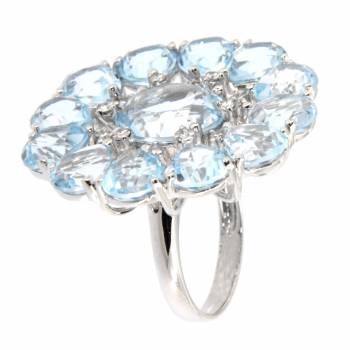 Золотое кольцо с бриллиантами и аквамаринами