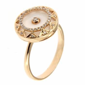 Золотое кольцо с бриллиантами и перламутром
